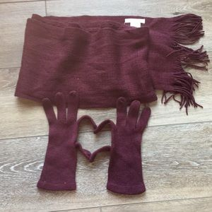 New York & Company plum scarf and glove set